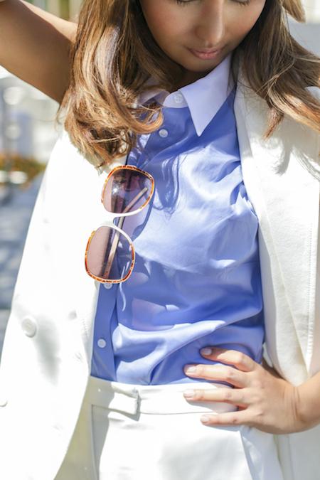 wear a sleeveless suit