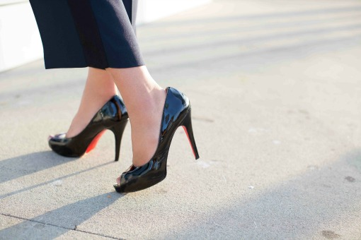 patent-leather-pumps-for-work.