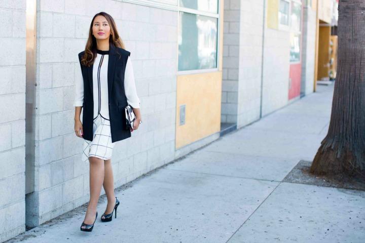 white-purse
