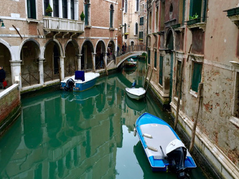 The_Ambitionista_Venice_Italy_Canal