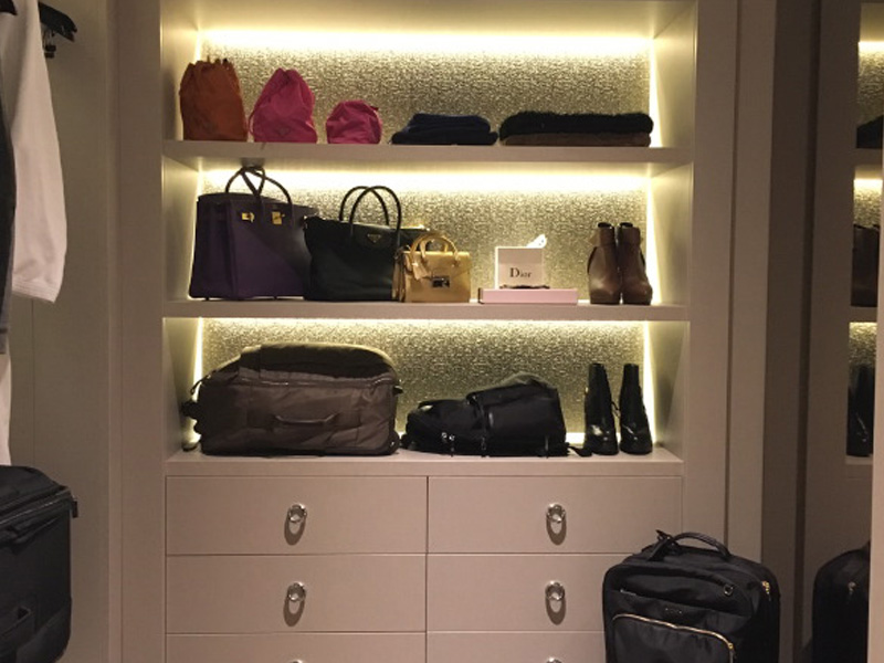 The_Ambitionista_Venice_Italy_Closet2