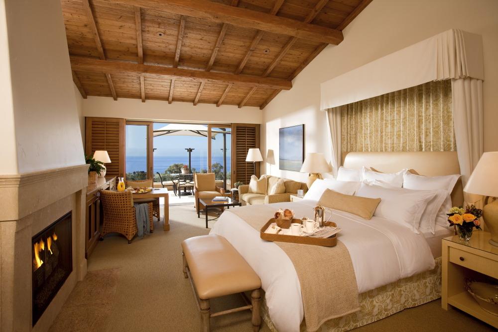 bungalow-guest-room-interior