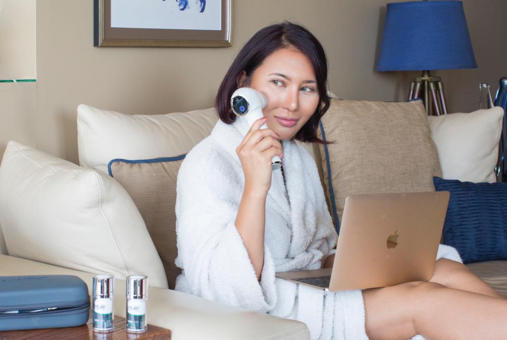 Heidi Nazarudin is using Conture Skin Care Tool for Anti-Aging